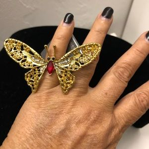 BNWT 🆕Express Butterfly Ring